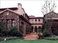 长泰花园 独栋别墅 423平毛坯 三面环花园带地面1个+地面车位 480万 5室2厅3卫