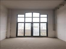 靓房低价抢租马德里别墅 5000元/月 5室3厅2卫 简单装修