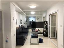 中南御锦城两房出租 家电齐全 拎包入住 停车方便2200精装