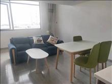 宝鸿商业广场公寓出租一室一厅一卫精装修1600可租