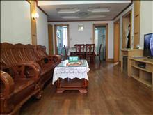 湖苑一区 精装修2室 低楼层 小区环境整洁 月租1800 生活方便