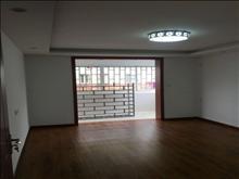漕泾六区 黄金楼层 70平方 全新装修 2楼  可读书 满两年 142万 2室2厅1卫