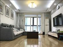 清爽大户型齐全家私常熟老街 1800元/月2室2厅1卫 精装修