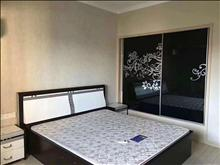 派公馆两室两厅两卫精装设全3200/月包物业半年付