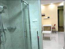 万达广场 精装1房 地处繁华地段 设施齐全 便利 随时看房
