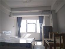 中南锦城 2000/月精装修一室一厅 家电齐全 温馨入住 看中可商