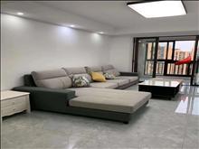 中南世纪城 3200元/月 3室2厅2卫 精装修 环境幽静居住舒适