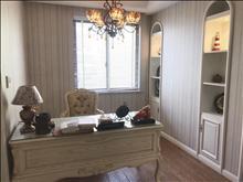 清爽大户型齐全家私衡泰国际花园 6300元/月 4室2厅2卫 豪华装修