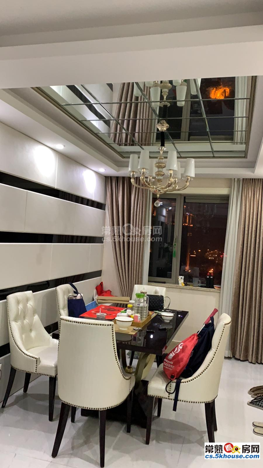 生活方便盛世名门 5000元/月 3室2厅2卫 豪华装修 包物业费
