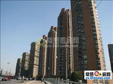 尚湖中央花园 3室2厅2卫 精装修  135平  195万 楼层好
