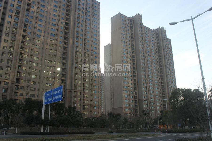 新房已定房东急售琴川碧桂园130平3室2厅2卫 精装修中间楼层340万