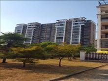 新阳福邸 130万 3室2厅2卫 精装修 适合和人多的家庭