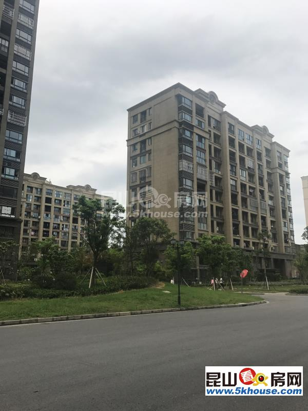 又上了套好房子绿地21新城 160万 3室2厅1卫 精装修