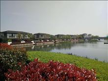 水月周庄联排别墅 靠近酒店和湖景 对岸就是古镇 配套成熟适合养老