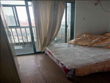 超好的地段,可直接入住,朝阳广场 2200元月 3室2厅1卫,3室2厅1卫 简单装修