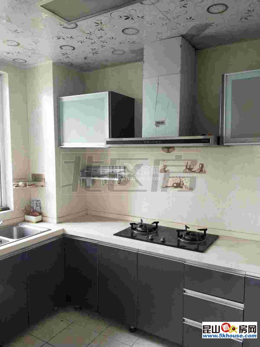 新城翡翠湾 2400元月 3室2厅1卫,3室2厅1卫 复式,精装修 ,楼层佳,看房方便