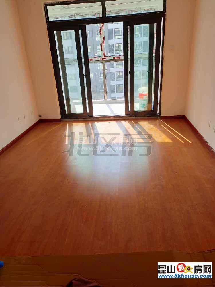 宇尚苏尚家园 2200元月 3室2厅1卫,3室2厅1卫 简单装修 正规有匙即睇诚意