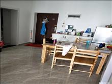 昆山城东世茂东外滩 2000元月 2室2厅1卫,2室2厅1卫 精装修 全套高档家私电