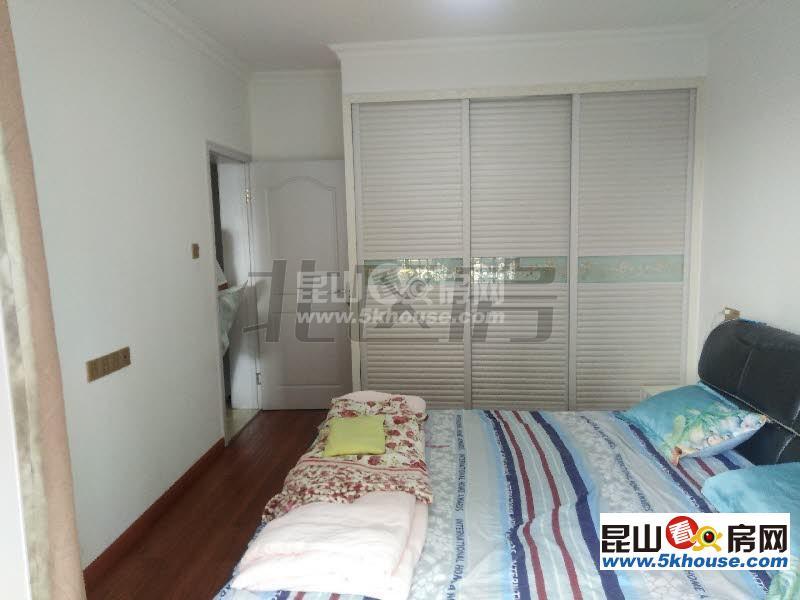 新华舍 1700元月 2室2厅1卫,2室2厅1卫 精装修 ,少有的低价出租