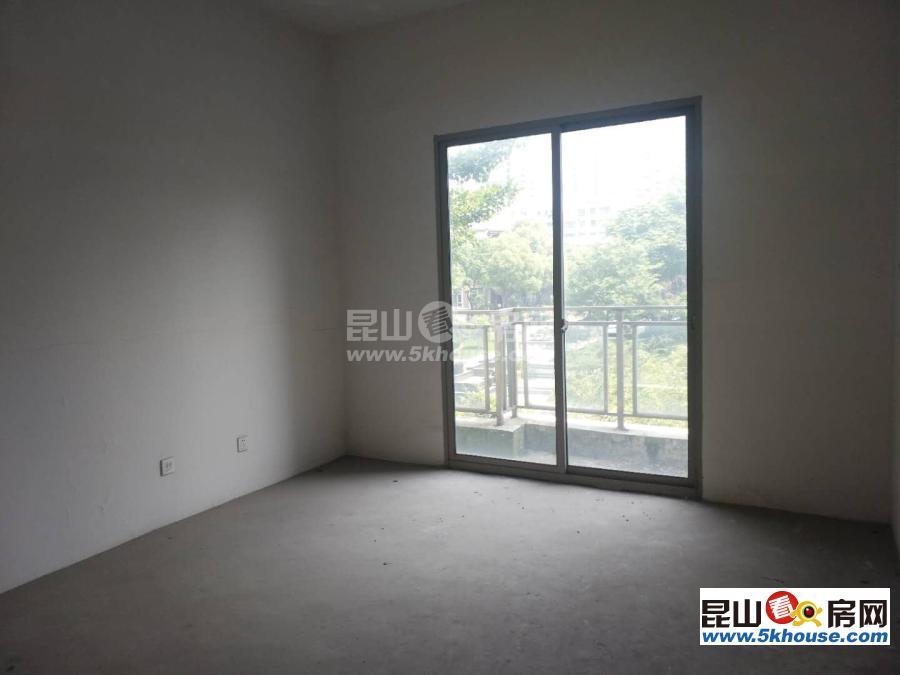 世茂蝶湖湾 900万 5室4厅5卫 毛坯 成熟社区,交通便利,有钥匙