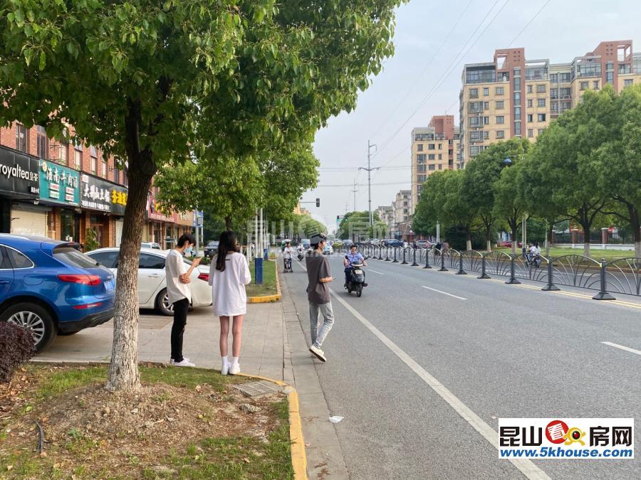 景堂路最具潜力的旺铺项目 年租10万多 三开门