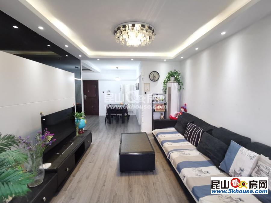 坐看假山美景,滨江裕花园 128万 3室2厅1卫 精装修 ,看花园的中心
