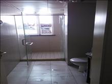 蝶湖湾一楼带地下室 精装三房 出租2500 有钥匙 随时看