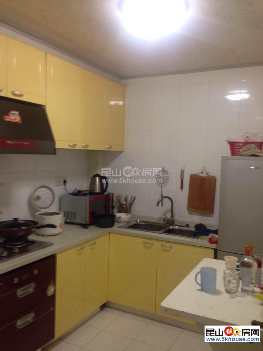 独立厨房和卫浴,朝南大阳台,博悦广场,商业齐全