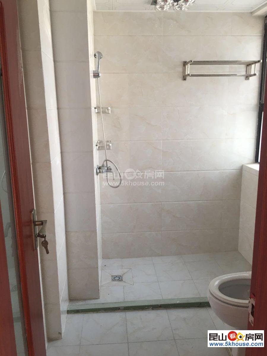 好房出租,居住舒适,绿地21城滨江汇 2000元月 3室2厅1卫
