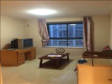 绿地启航社 1700元月 2室1厅1卫 精装修 ,价格实惠,空房出租