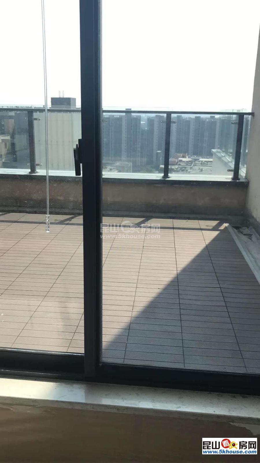 游站 2200元月 3室2厅2卫 简单装修 采光好,随时看房
