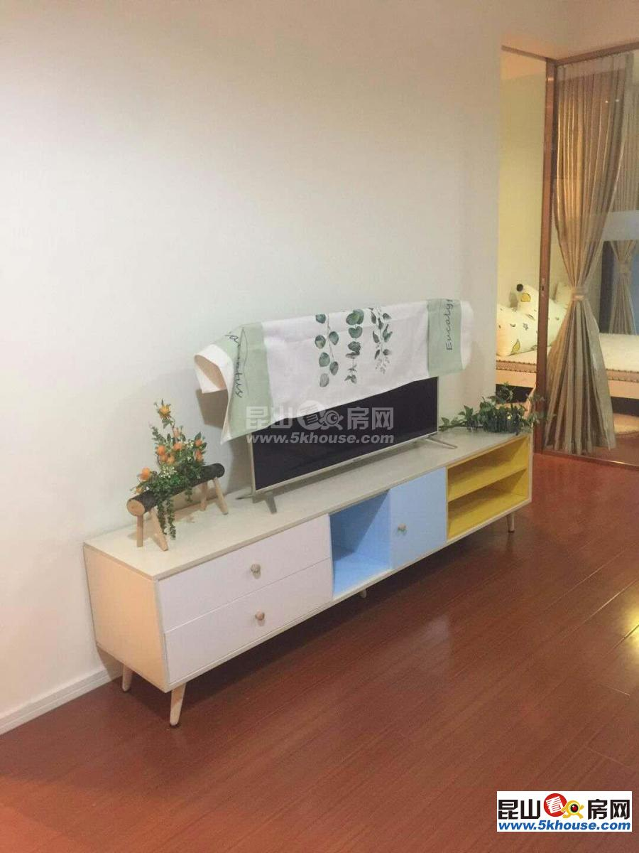 通达广场 62万 1室1厅1卫 精装修 超好的地段,住家舒适