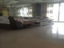 吉房出租,看房方便,世茂蝶湖湾 3500元月 3室1厅1卫 精装修