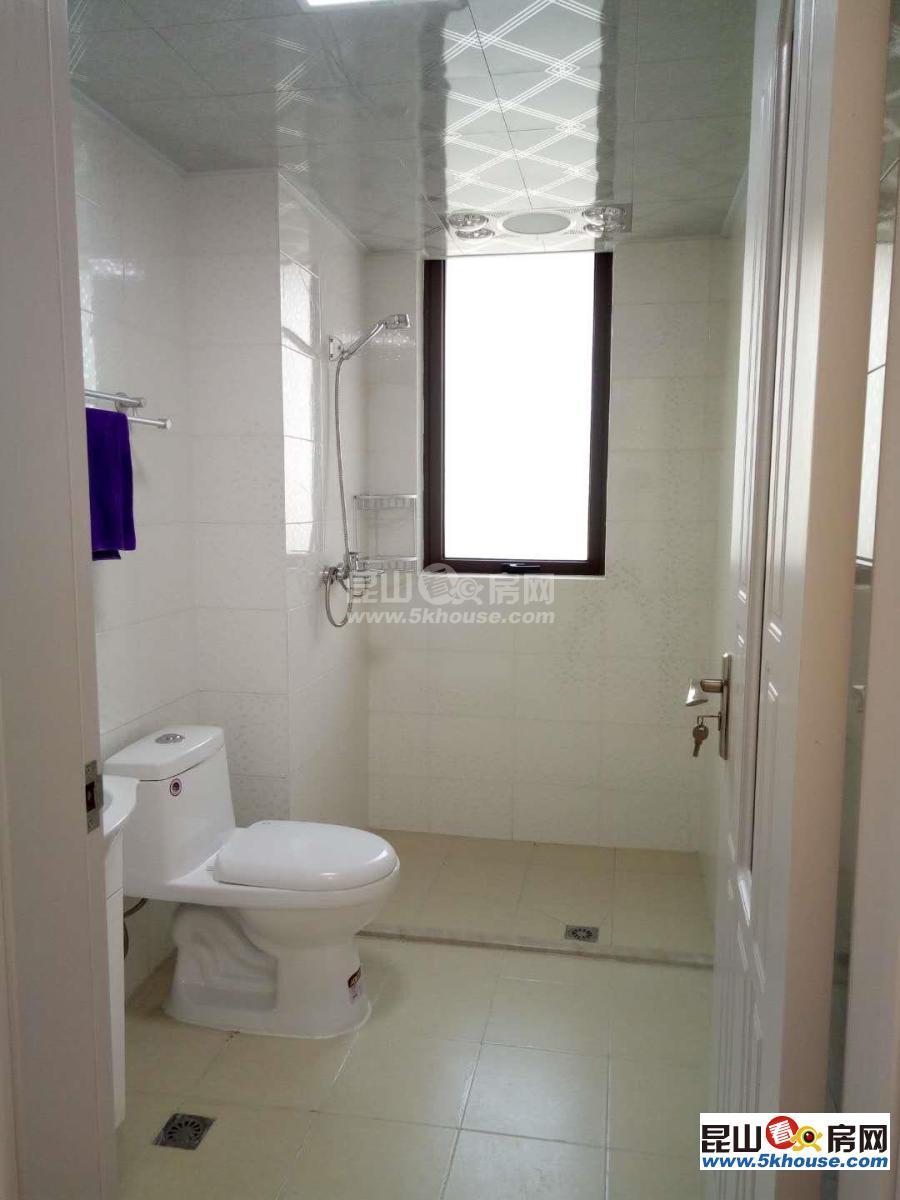 世家 4000元月 3室2厅2卫 精装修 ,正规好房型出租