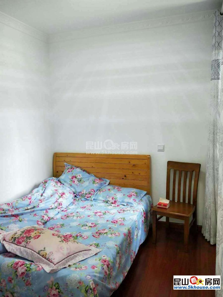 超好的地段,可直接入住,恒源广场 1500元月 2室2厅1卫 精装修