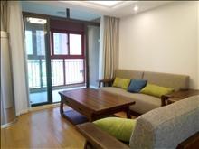 繁华里青青家园精装三房,客厅有立式空调,随时看房