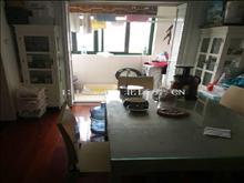 昆山花园 2600元月 2室2厅1卫 精装修 超大阳台,