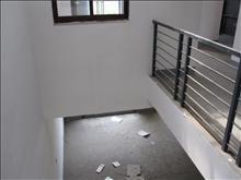 e区 2500元月 4室2厅4卫 毛坯 ,少有的低价出租