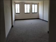 绿地21城b区 350万 3室3厅3卫 毛坯 带学位业主诚心出售