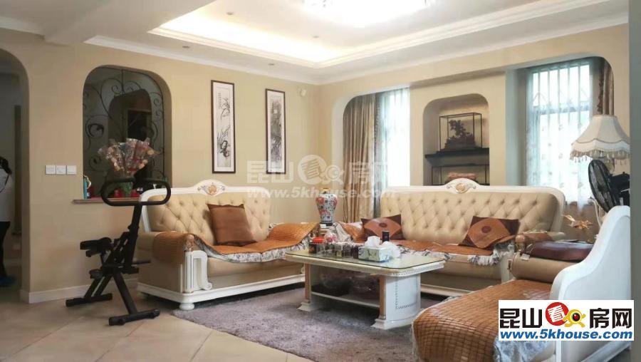 高档小区绿地21城b区别墅 520万 4室2厅3卫 豪华装修 ,性价比超高