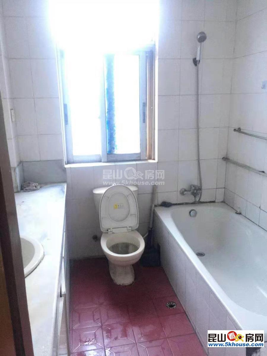店长珠海新村 2700元月 3室2厅2卫,3室2厅2卫 精装修 可提包随时住