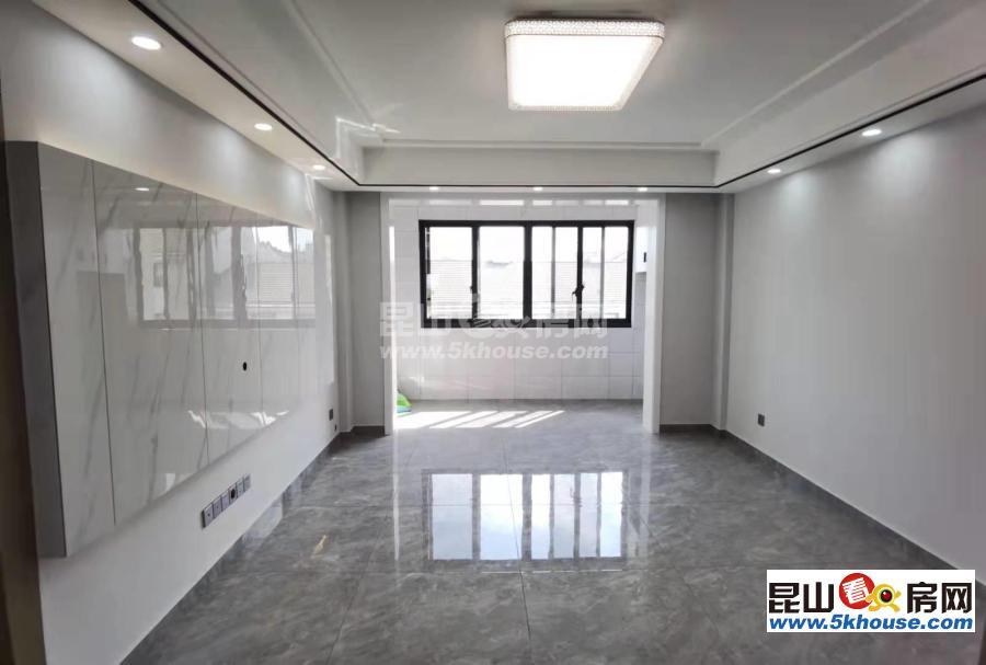 周边配套设施齐全,性价比超高龙隐水庄 135万 3室2厅2卫 精装修