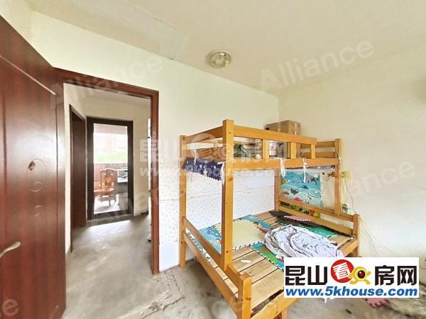 綠地21城d區 1700元月 3室2廳1衛  毛坯 ,正規好房型出租