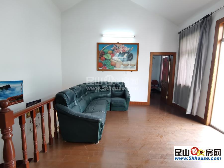 锦江花园(独栋)别墅 400万 4室2厅3卫 简单装修 花园250平米 仅此一套