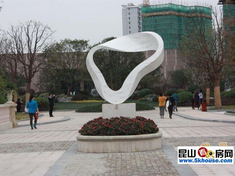 昆山玉山广场雕塑是谁
