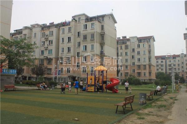 枫景苑边套 82万 2室2厅1卫 简单装修 超好的地段,住家舒适