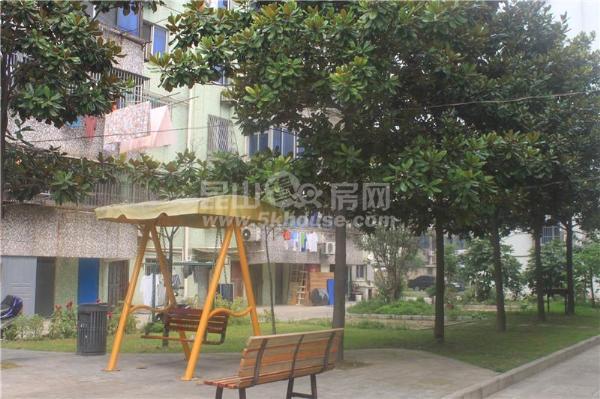 玉峰小学和二中的学区红峰新村