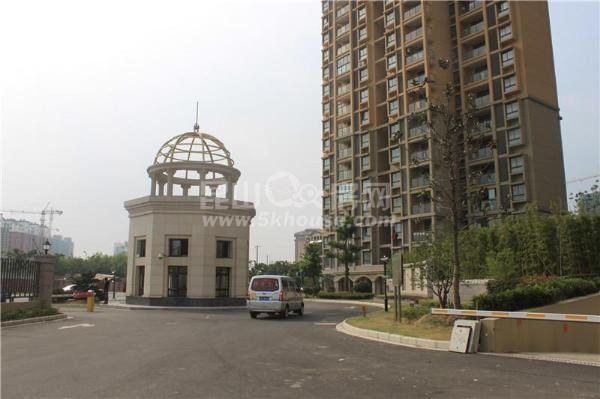 华美达两室 景观楼层 楼王位置 全天采光 居住舒适 面朝公园 环境清新