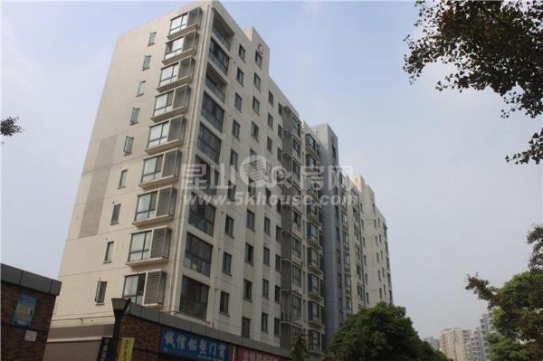 中心区,低于市场价,新城域花园 121万 3室2厅1卫  急售