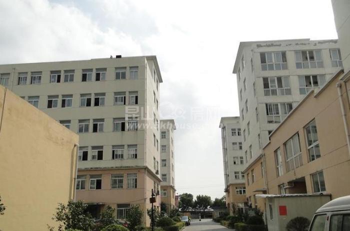 中心区,低于市场价,昆山商厦领里广场 42万 1室1厅1卫 精装修
